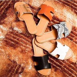 🆕 Vegan Leather Slide on Sandals (Cognac)